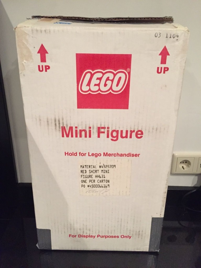 Lego 19 inch minifigure store display box