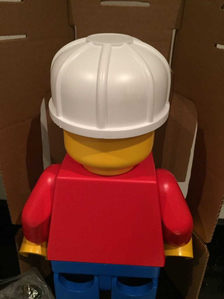 Lego 19 inch minifigure store display minifigure back