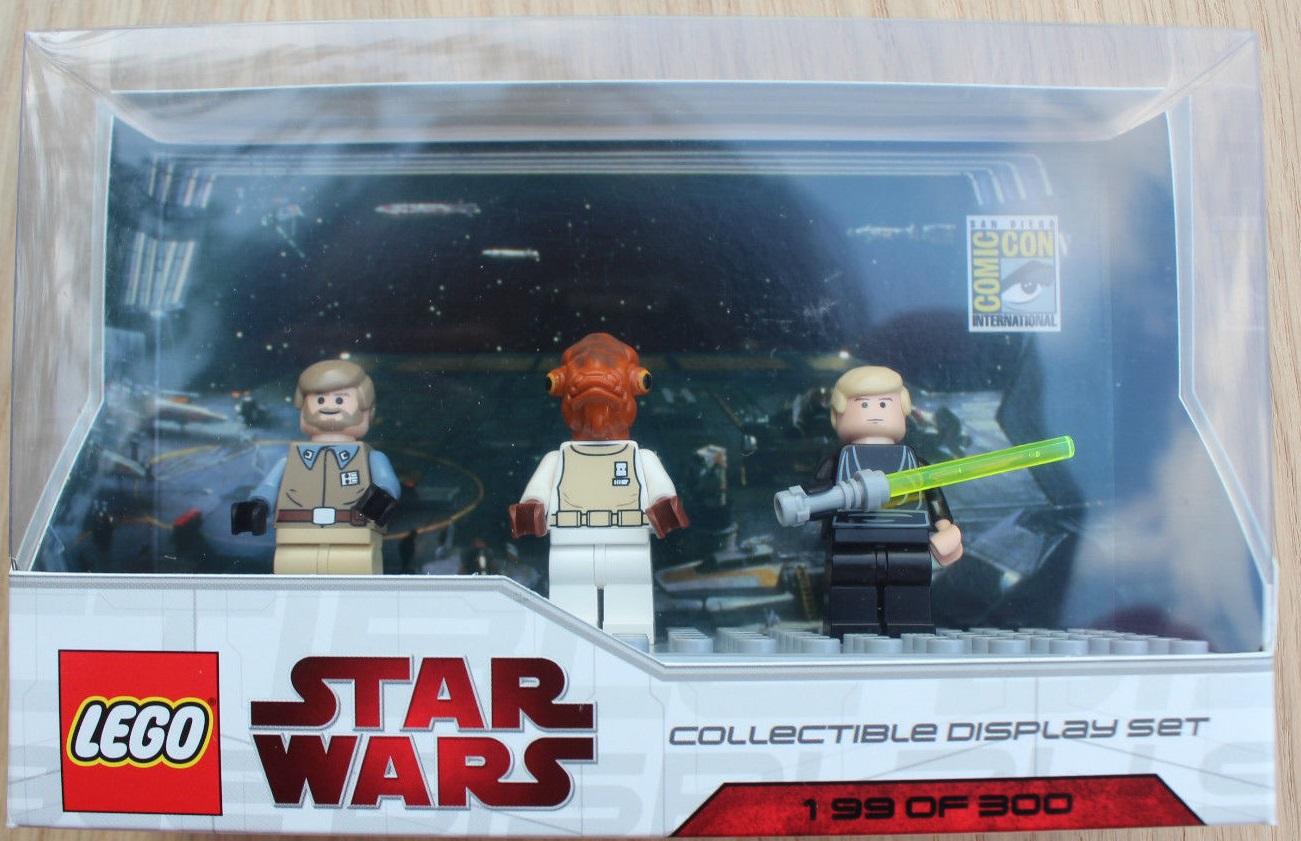 Lego SDCC 2009 Dislay Set 2 comcom005-1