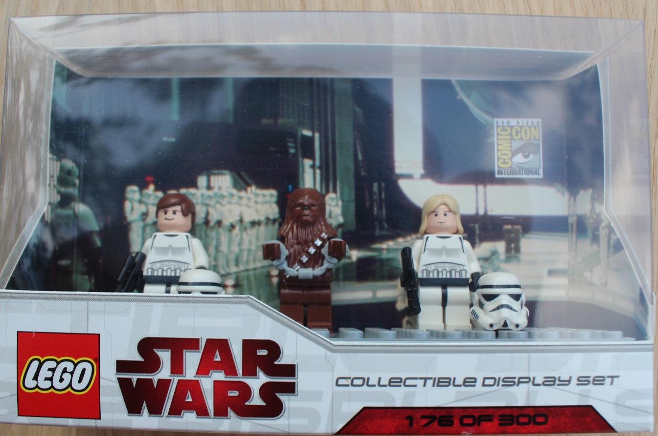Lego SDCC 2009 Dislay Set 3 comcom008-1