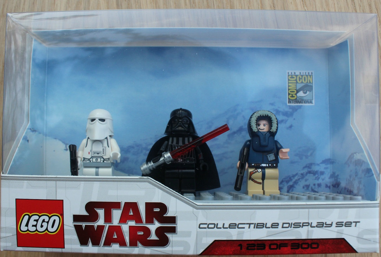 Lego SDCC 2009 Dislay Set 5 comcom007-1