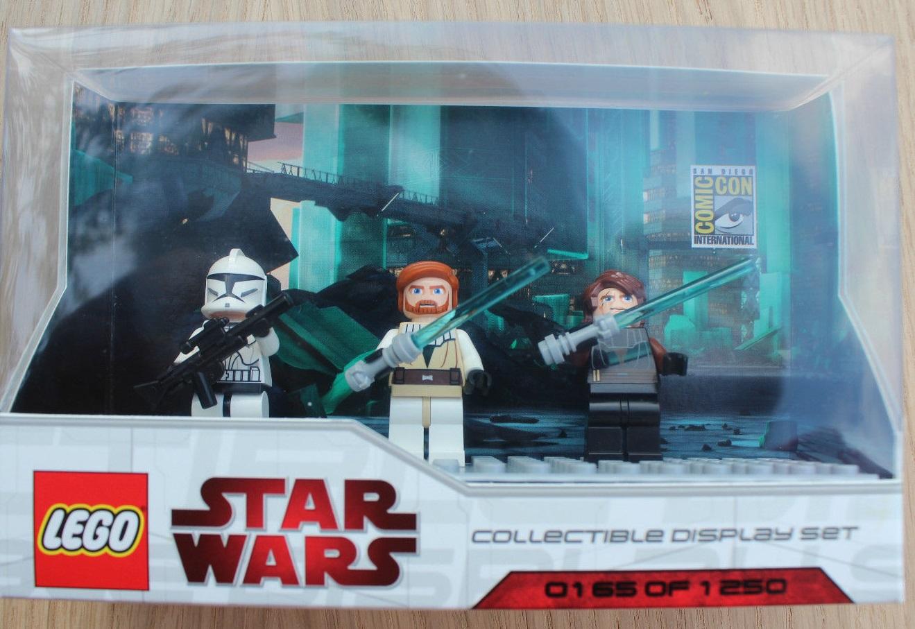 Lego SDCC 2009 Dislay Set 6 comcom009-1