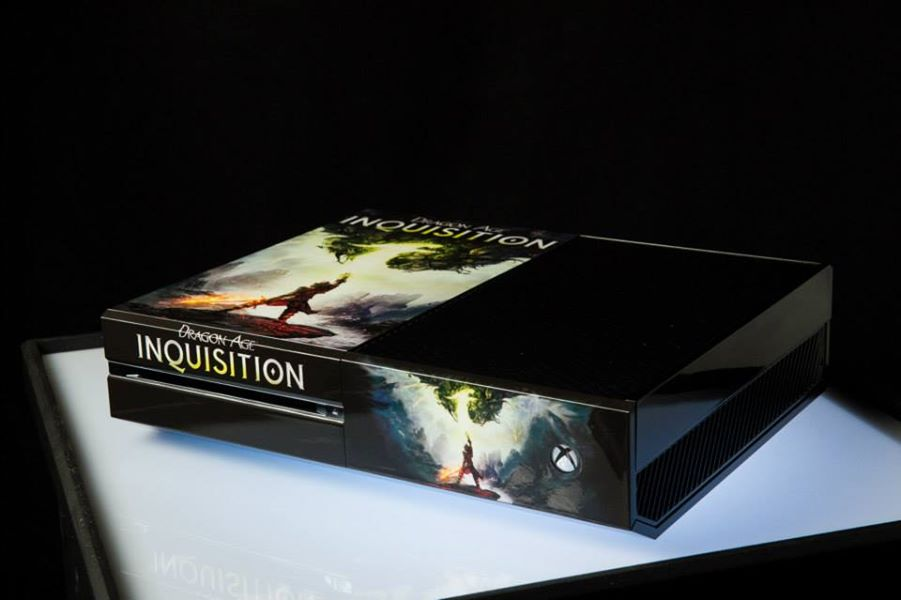 Sdcc 2014 xbox one limited edition consoles include lego batman 3 minifigure price guide - Console dragon age inquisition ...