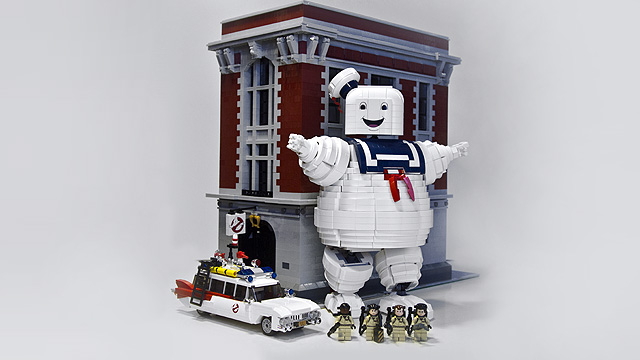 Lego Ghostbusters Large Scale Stay Puft Marshallow Man in Scene