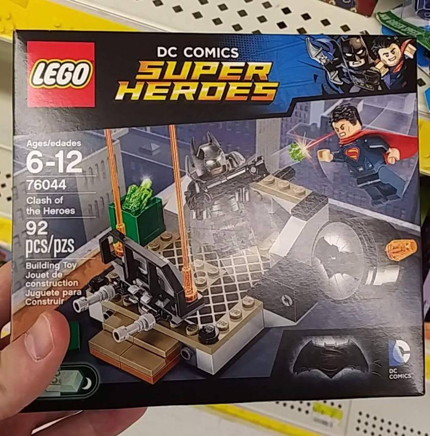 Lego 76044 Clash of Heroes DC Super Heroes Superman v ...