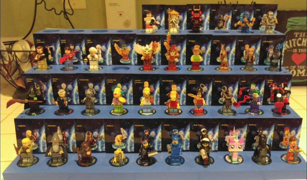 Lego Dimensions Minifigure Display Stand : Minifigure ...
